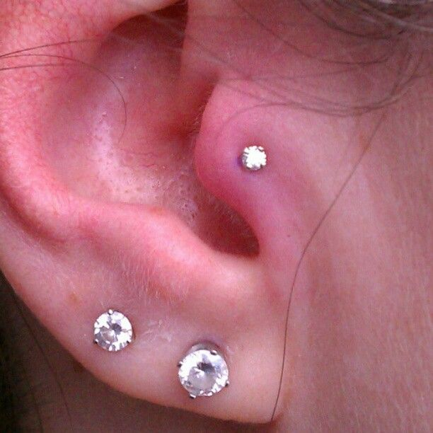 b28b65760 18g Tragus piercing with a 2mm prong set VS1 diamond. - @btwbodyarts-  #webstagram