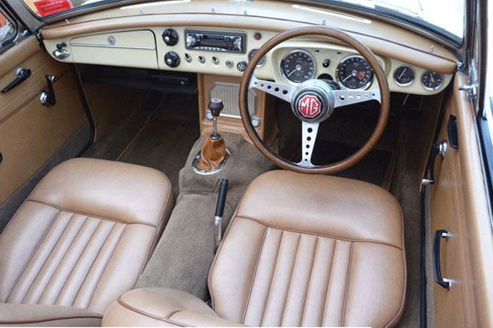 Sold Mgb Mk1 Roadster Auctions Lot 4 Shannons Classic Carpets Patterned Carpet Best Carpet For Stairs