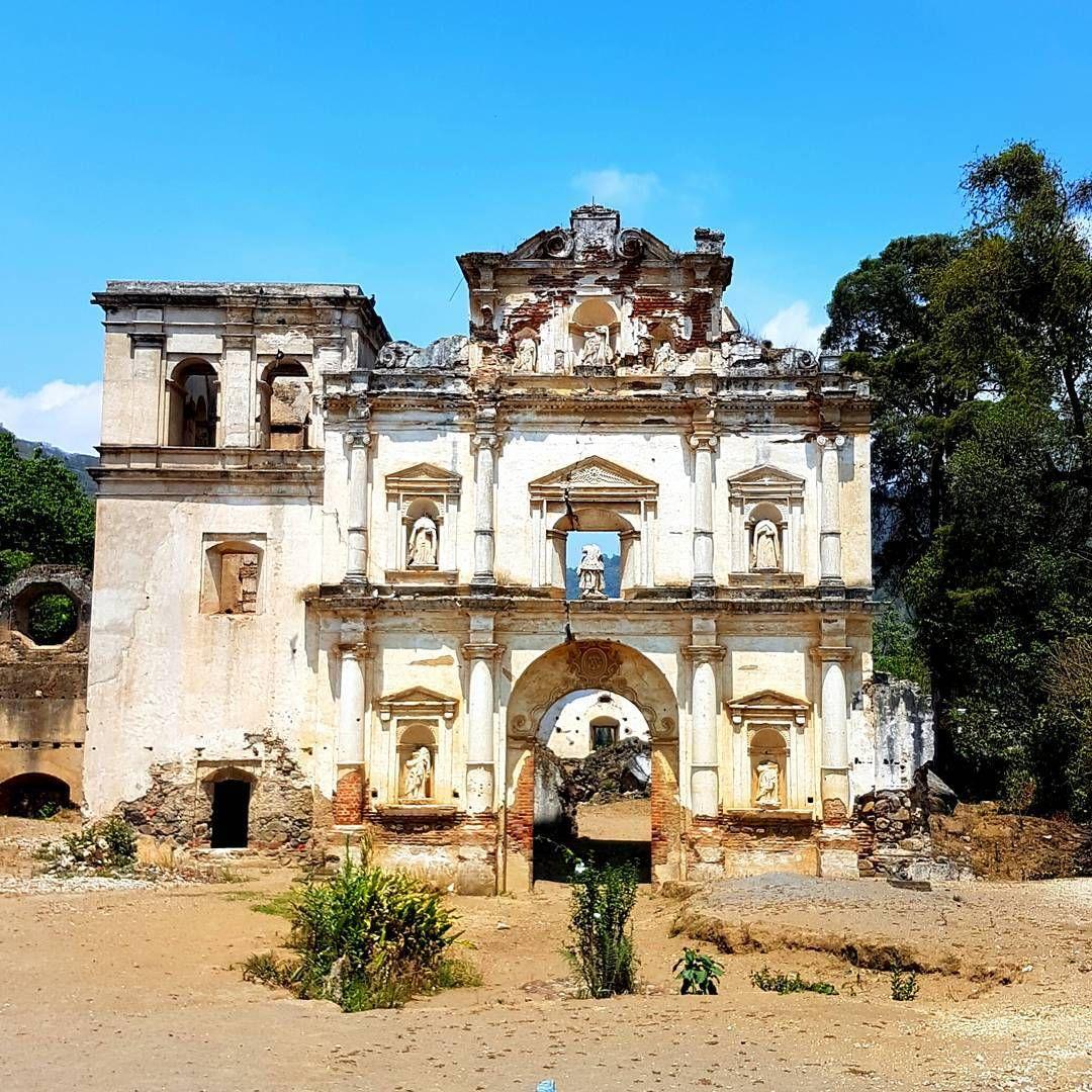 Ruinas del templo Nuestra Señora de los Remedios #Antigua #Guatemala #Guatelinda #instagt #instaguatemaya #losrinconesdemiguate #church #Catholic #nicepic #niceplace #travel #oldbuildings #ruins