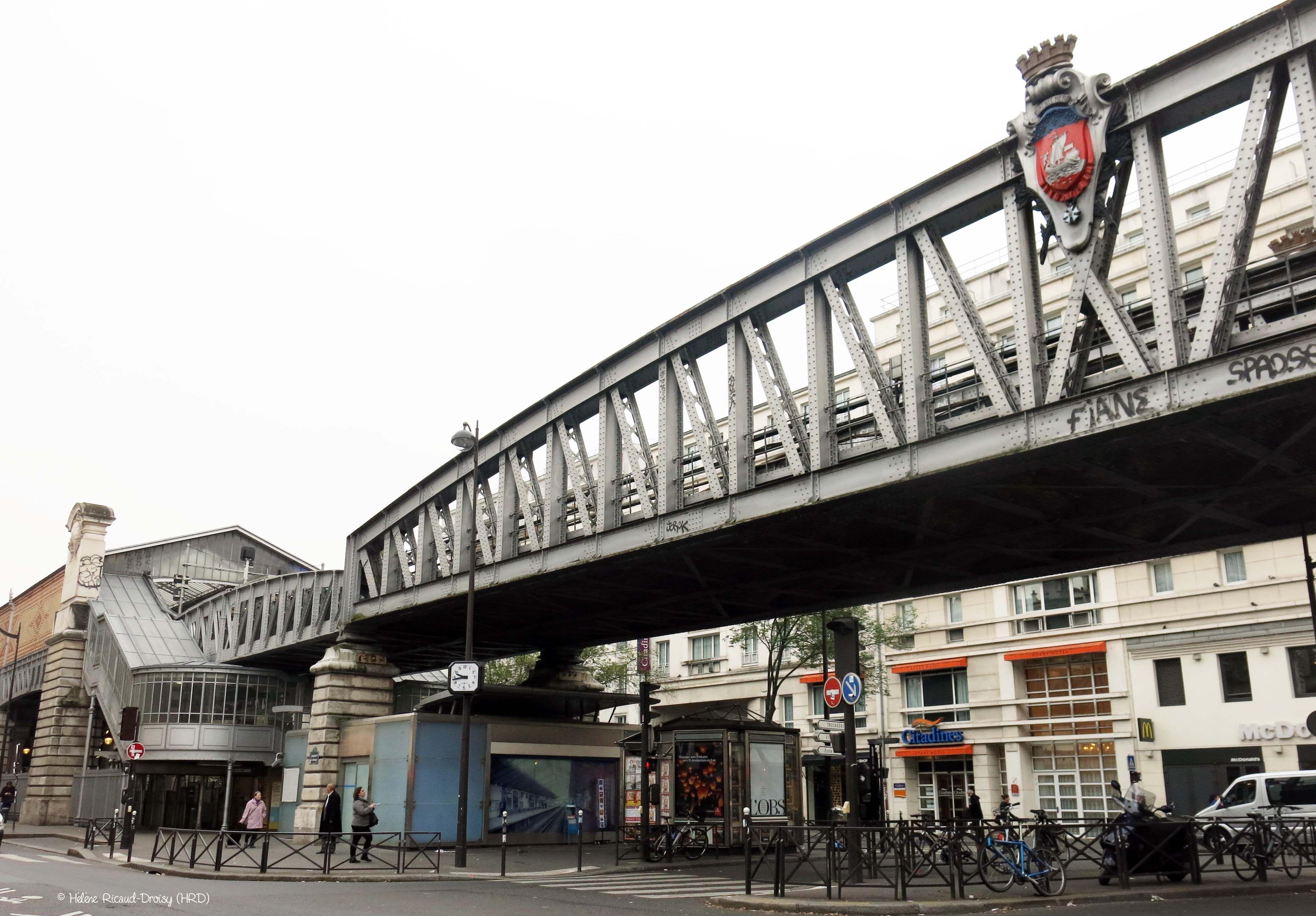 Station De Metro La Motte Picquet Grenelle 15e Arrt Paris France 2014 10 25 C Helene Ricaud Droisy Hrd Paris France Station De Metro Paris Ville