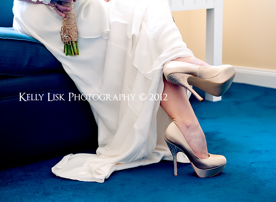love these wedding shoes!