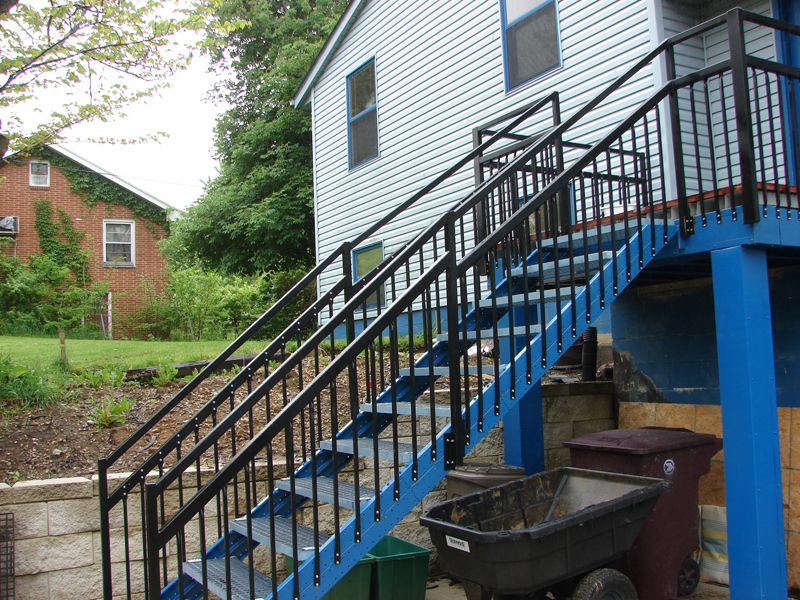 Metal Outdoor Stair Railings   How To Select The Best Outdoor Stair Railing  U2013 Garden Design