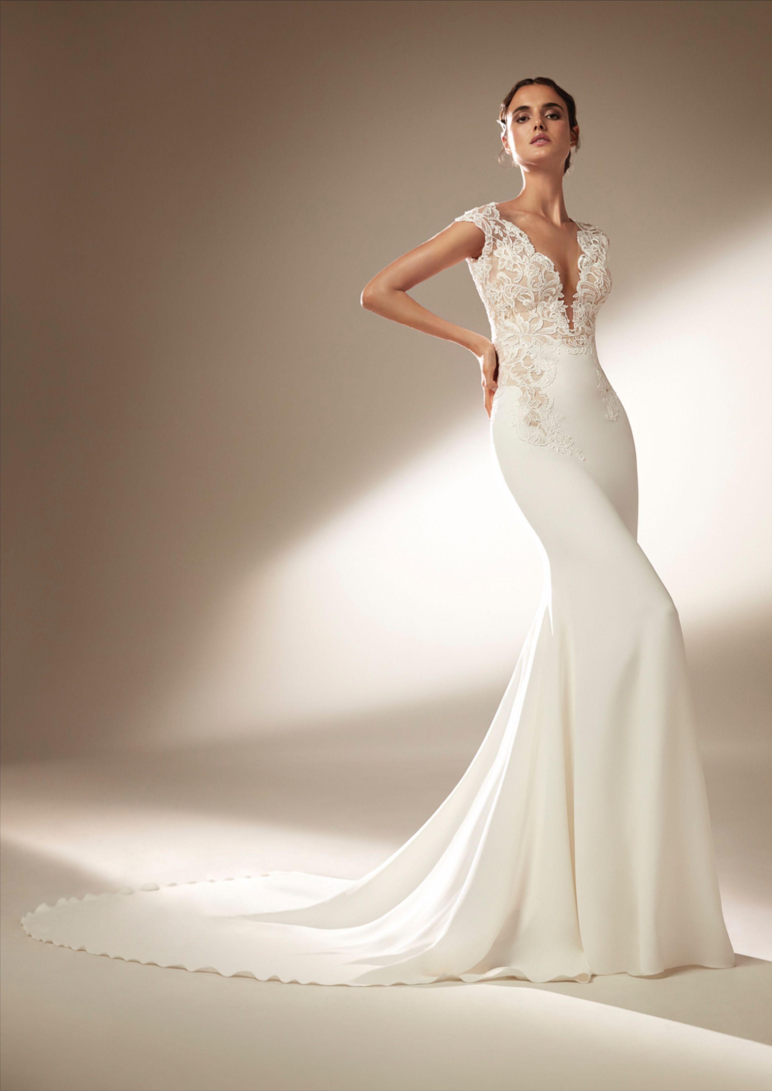 Swanson Dress Atelierpronovias In 2020 Wedding Gown Backless Wedding Dresses Stunning Wedding Dresses