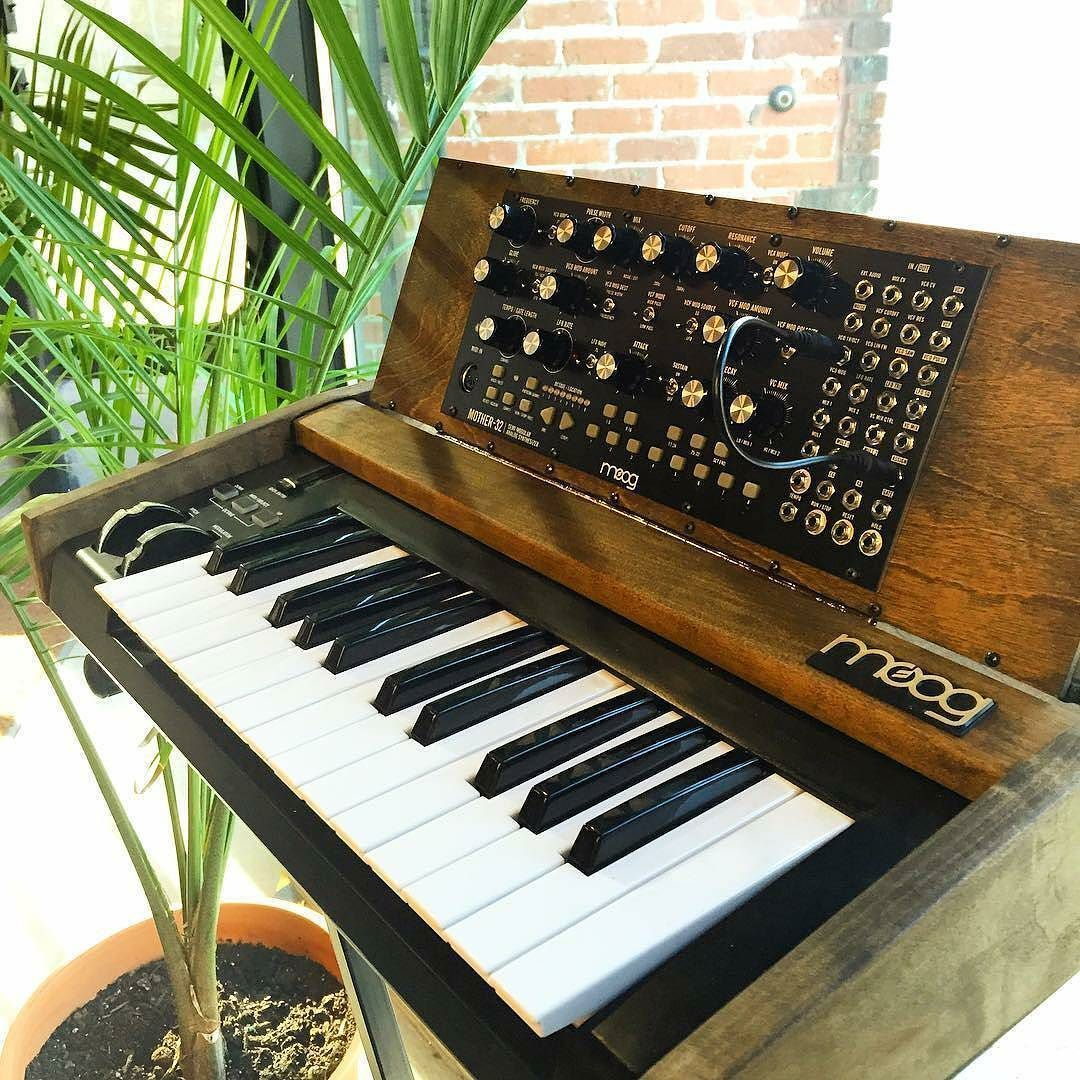 mother 32 in a wooden case with small midi keyboard repost from moogmusic grand mother. Black Bedroom Furniture Sets. Home Design Ideas
