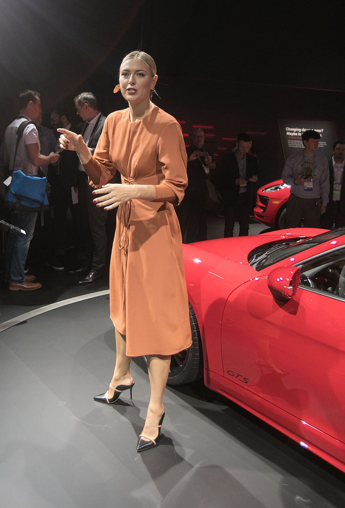 maria-sharapova-unveiling-of-2018-porsche-718-cayman-gts-at-los-angeles -auto-show-11-29-2017 f62a71956d7