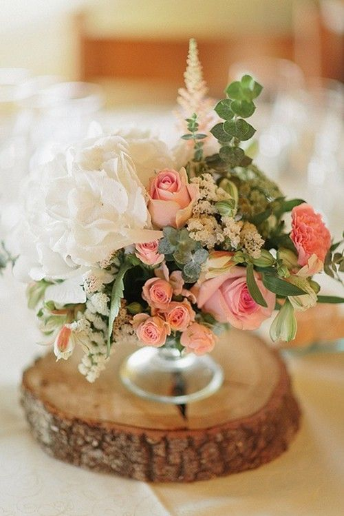 Attractive DIY Flowers Table Decor For August Wedding, Glass Table Decor In Summer  Wedding, August Wedding Wood Decor