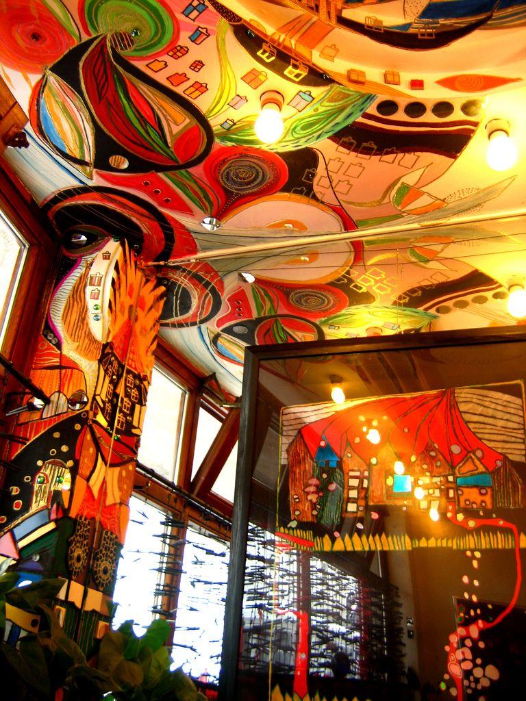 Hundertwasserhaus interior hundertwasser pinterest for Architecture hundertwasser