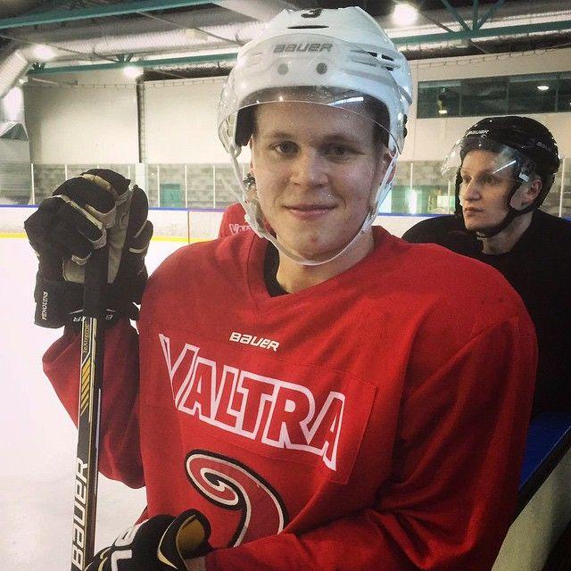 It looks like Olli is back on the ice!