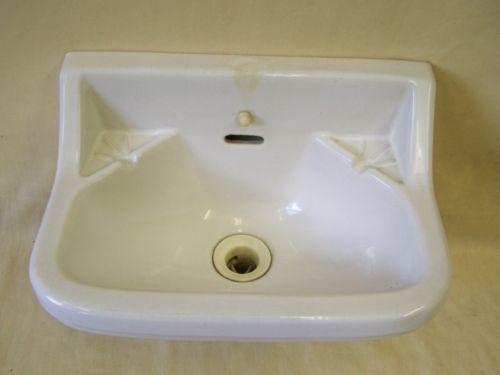 Kleines altes waschbecken gaeste wc badezimmer pinterest altes