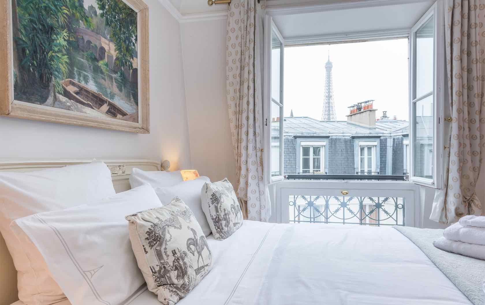 Staying a month or longer see our long term furnished rentals in paris