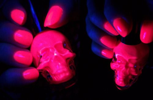 Neon pink glow in the dark nails ... I think i saw this polish in ...