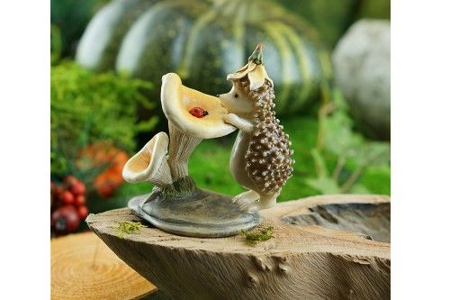 Miniature Dollhouse FAIRY GARDEN Figurine ~ Hedgehog /& Ladybug On Stone ~ NEW