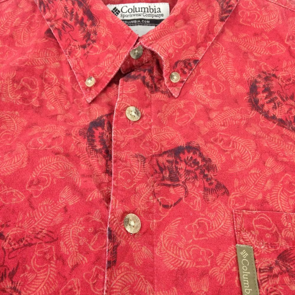 COLUMBIA Men's button front Bass Fishing Angler Shirt Red