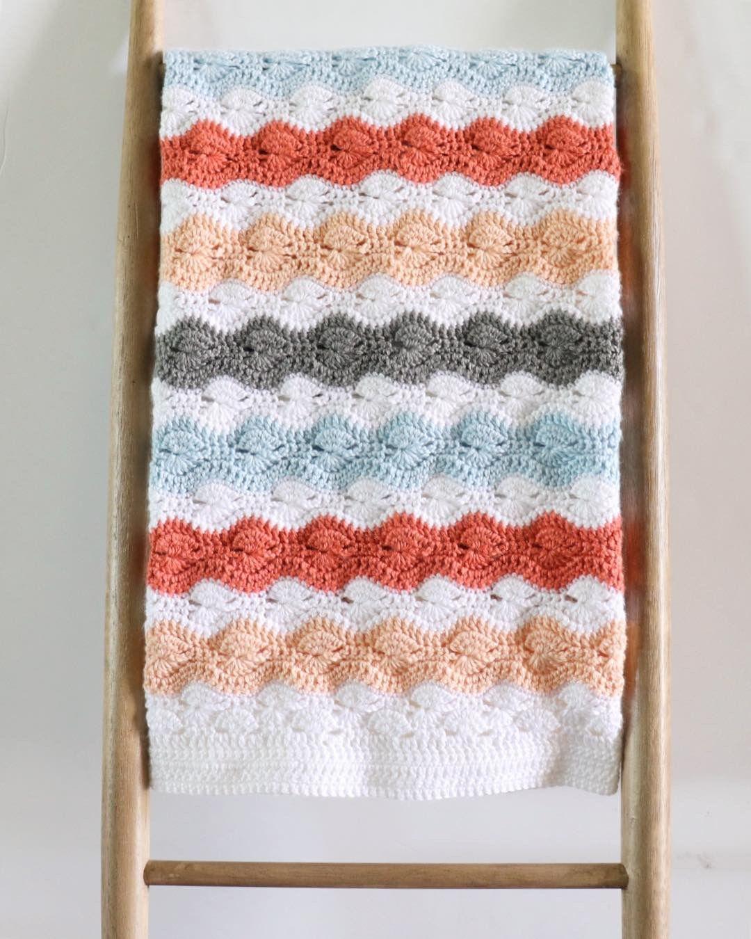 Modified Catherine's Wheel Stitch Baby Blanket | Daisy Farm Crafts ...