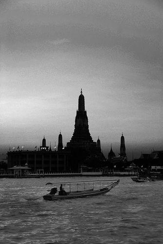 wat arun along chao praya :: bangkok, thailand