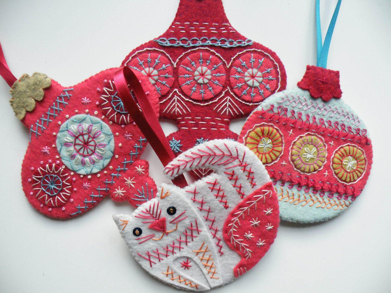 Flat Christmas Bauble Tutorial Download Etsy Embroidery Christmas Gifts Felt Christmas Ornaments Felt Christmas