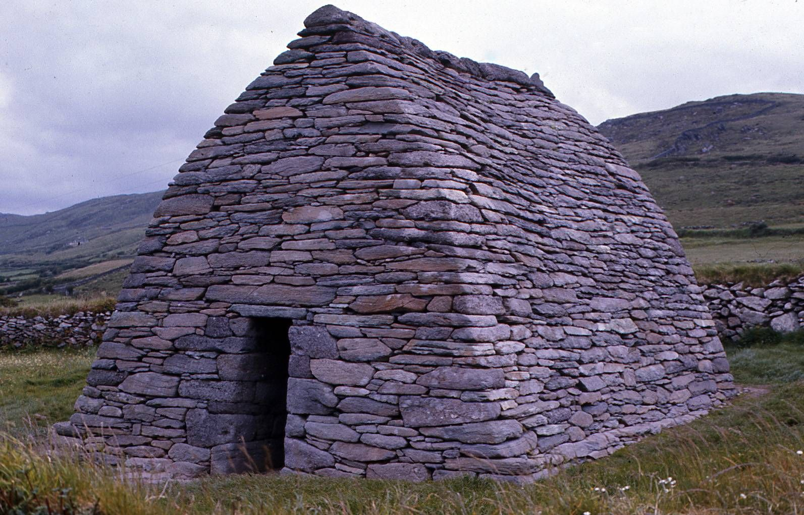 old stone structures images | Old stone house in Ireland ...