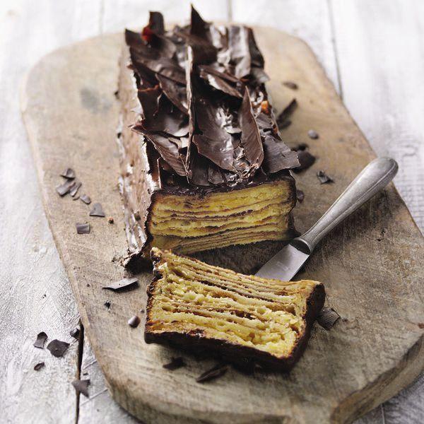 Er gilt nicht umsonst als der König der Kuchen. Schicht für Schicht ist der Baumkuchen ein Gedicht: Aus Sirup und Teig wird nach und nach ein Meisterw...