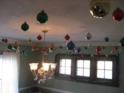 Command hooks to hang Christmas decoration / balls using