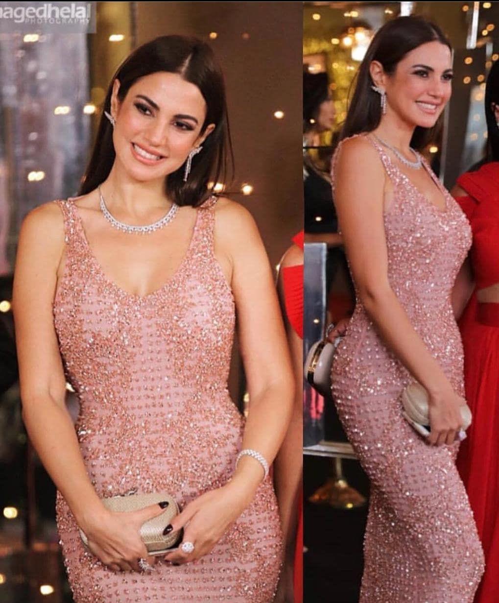 Egypt Celebrity On Instagram عمرو دياب لما غنا يتعلموا يتعلموا م الرقة دي يتعلموا كان يقصد درة Dorra Zarro Dresses Formal Dresses Sleeveless Formal Dress
