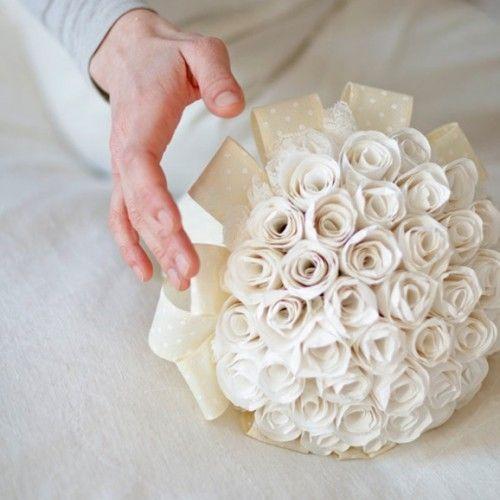 Bouquet Sposa Di Carta.Tutorial Per Bouquet Da Sposa Di Boccioli Di Rosa In Carta Boccioli Di Rosa Bouquet Di Fiori Di Carta Tutorial Di Rosa