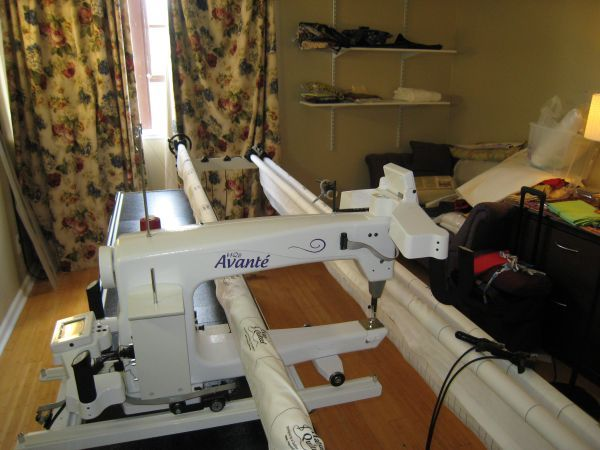Handi Quilter (HQ) 18 Avante on Craigs List   Sewing Tools ... : hq18 avante quilting machine - Adamdwight.com