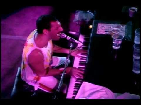 QUEEN - Bohemian Rhapsody <3 Live At Wembley '86