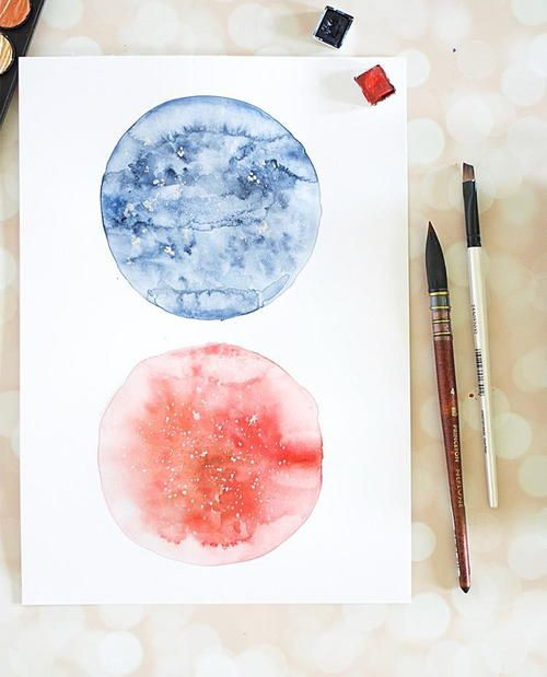Gorgeous DIY Watercolor Moon| Be an artist with this watercolor tutorial!