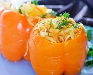 Poivron orange farci au coleslaw à lorange
