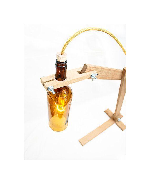 Recycled wine Bottle desk Light  Brown Earth  por EunaDesigns: