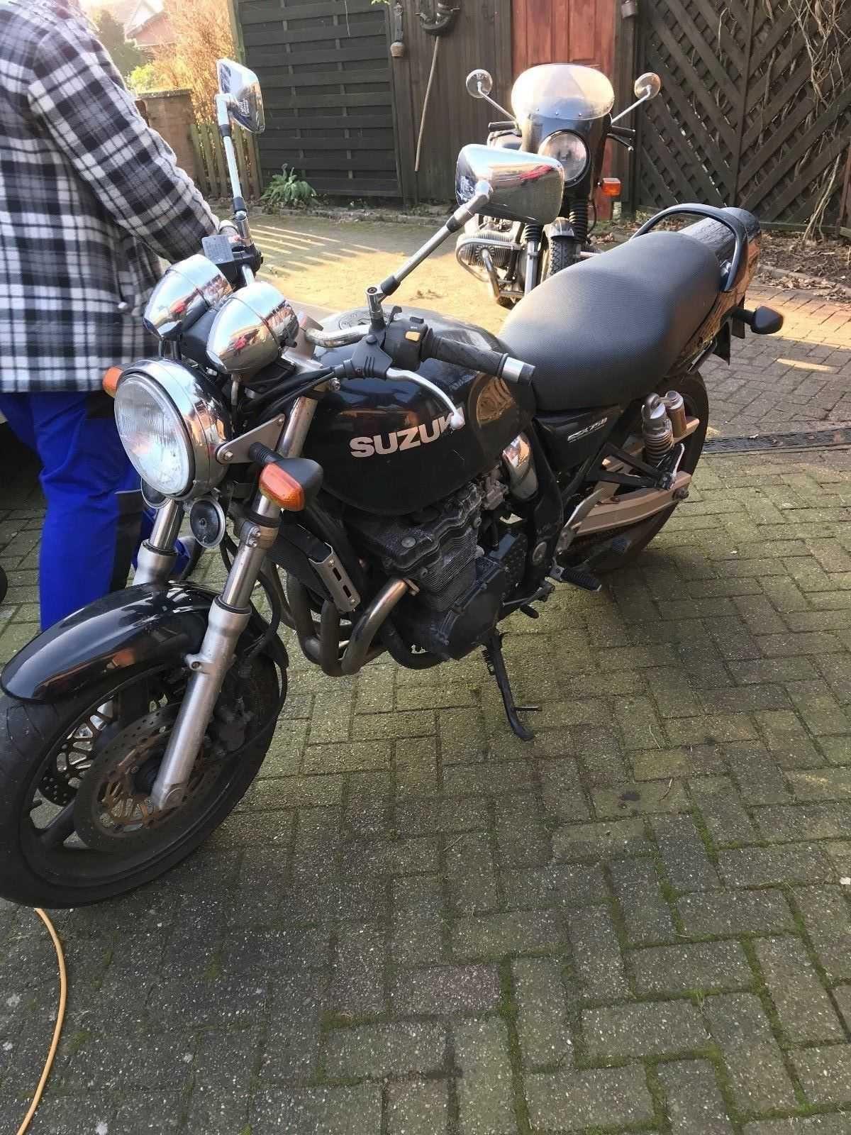 Suzuki GSX 750 AE Naked Bike Schwarz Zu Verkaufen Check More At