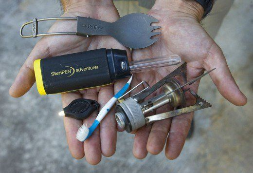 Are you interested in learning how to get into ultralight backpacking? This article will help you to adhere to the 10 pound base weight limit by outlining gear options.