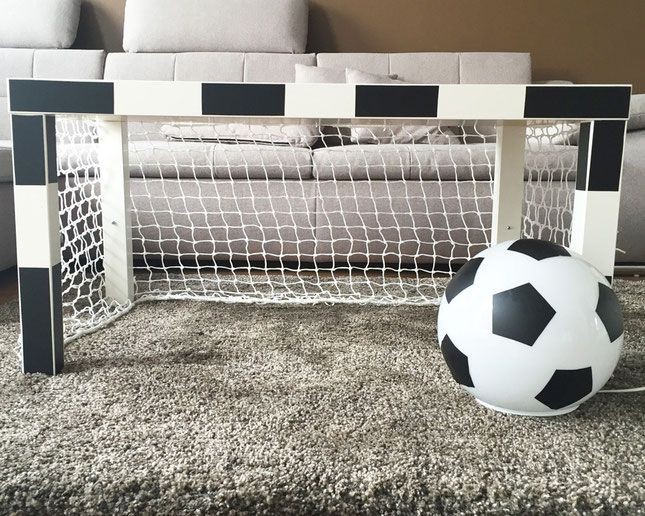 fussballzimmer ikea lampen werden zur fu balldeko ikea hacks kinder pinterest ikea lack. Black Bedroom Furniture Sets. Home Design Ideas