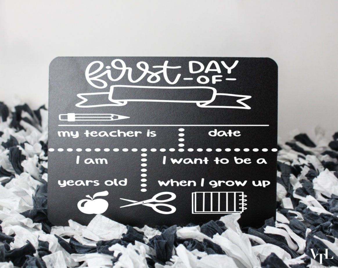 First Day of School Chalkboard Sign/ Last Day of School Chalkboard Sign/ Back to School Chalkboard Signs #firstdayofschoolsign