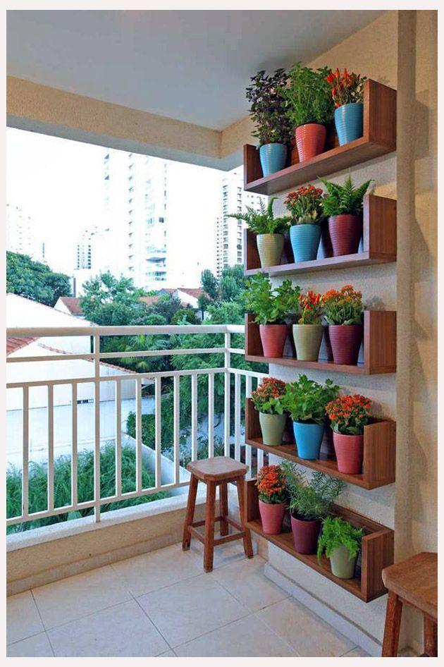 Balcony old things flowers hledat googlem bahce for Decorar habitacion residencia universitaria