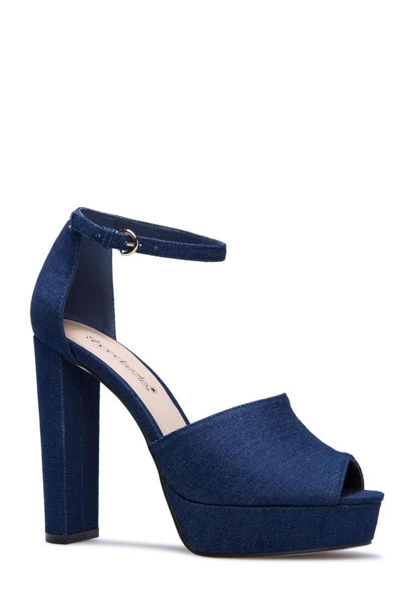 77e476c7f681 This is how you do platforms for summer! With a peep toe to show off that  bright pedi