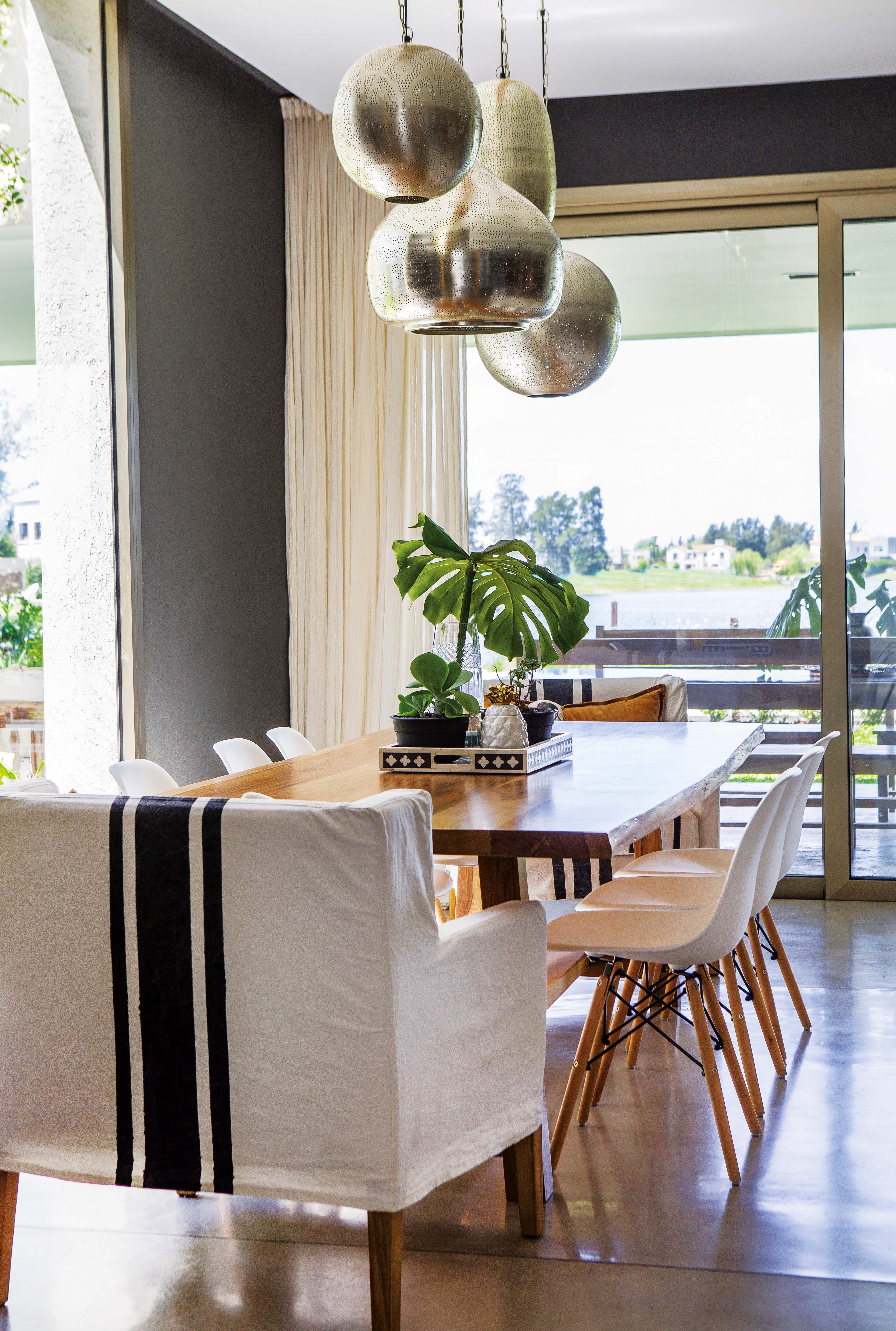 Pin de karol reyes en mi casa dining room dining y home for Decoracion de living comedor