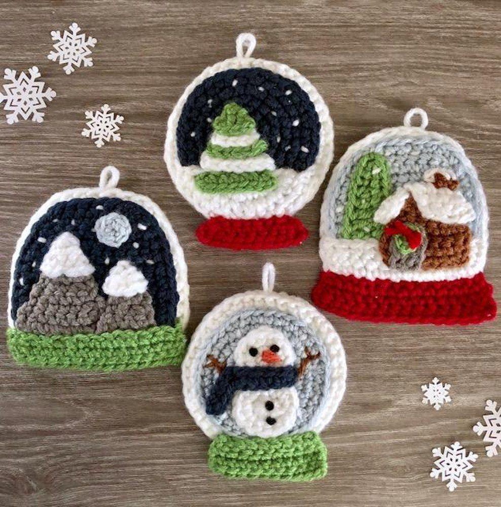 1 Handmade crochet Christmas snow globe decoration//applique