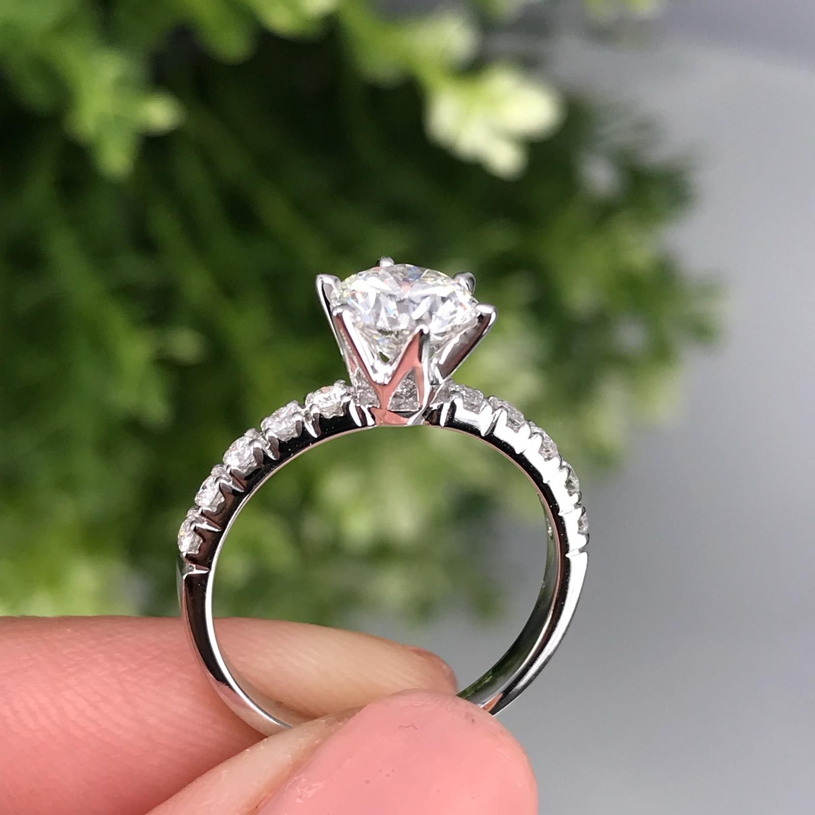 1 Carat Diamond 6 Prongs Simple Engagement Rings Engagement Ring Online Buying An Engagement Ring