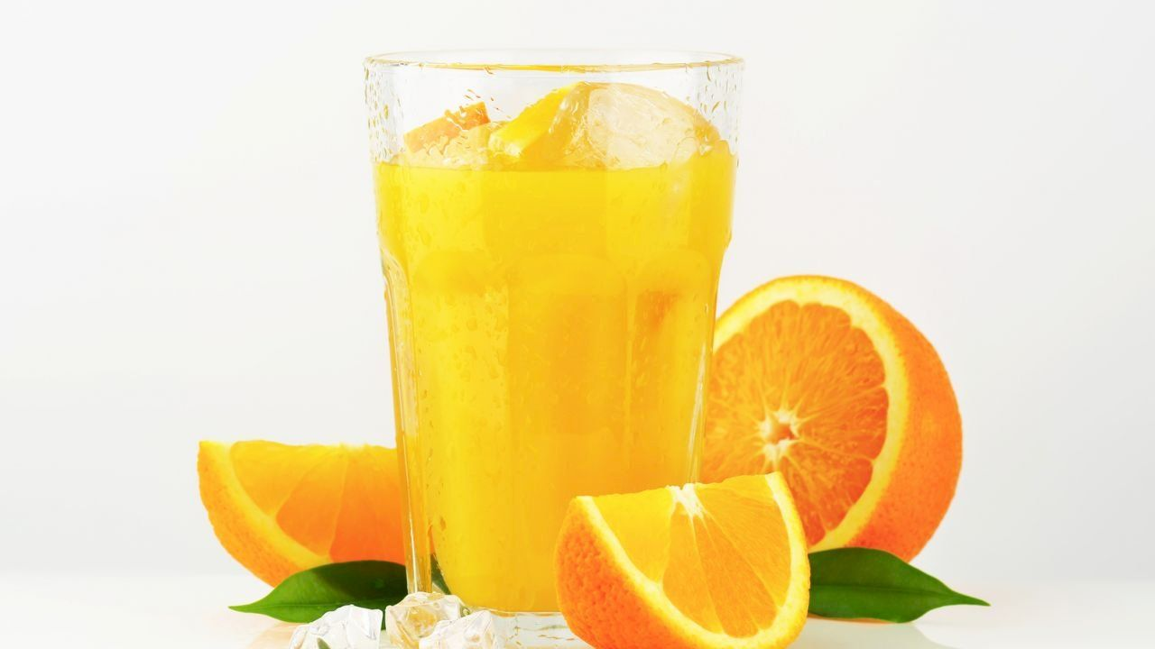 طريقة صنع عصير البرتقال In 2020 How To Make Orange Fruit Orange