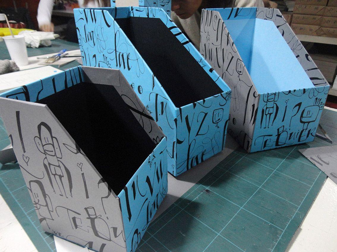 Curso dise o y armado de cajas i revisteros hechos por for Papelera reciclaje ikea