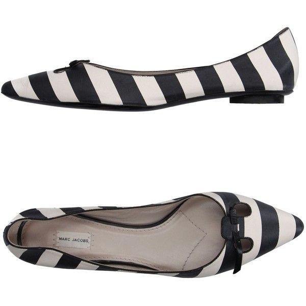 Marc Jacobs Ballet Flats ($335) ❤ liked on Polyvore featuring shoes, flats, black, black ballet pumps, flat shoes, ballet flat shoes, marc jacobs flats and ballet pumps