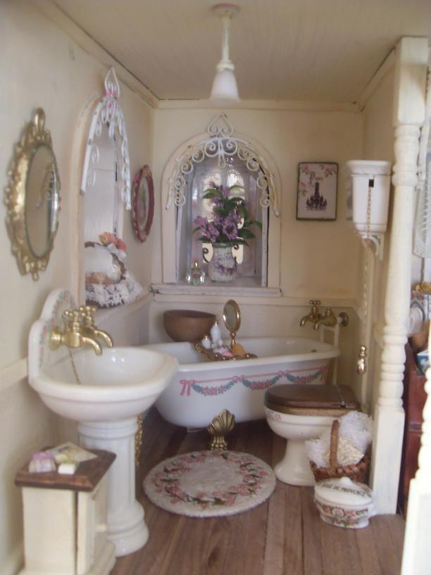 lindas miniature musings shabby dollhouse bathroom. Black Bedroom Furniture Sets. Home Design Ideas