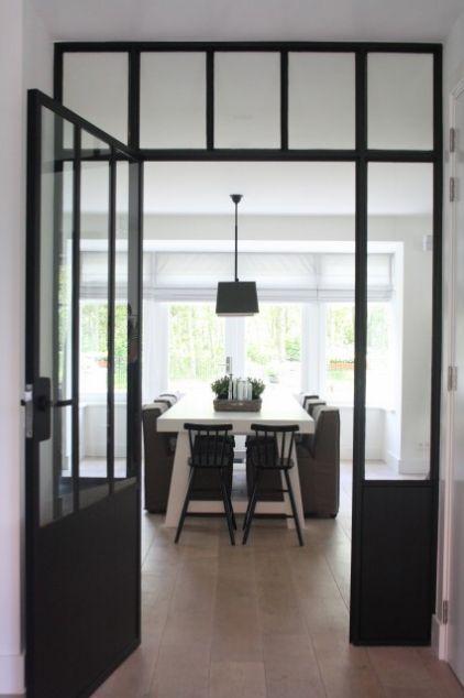Une maison moderne aux touches vintage Contemporary, Steel doors - idee deco maison moderne