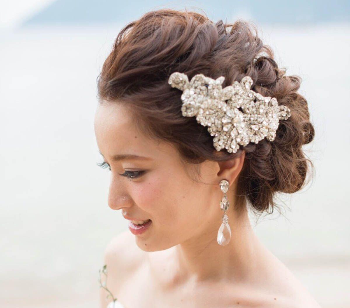 花嫁の最新ヘアカタログ ビジューを使ったヘアアレンジ5選