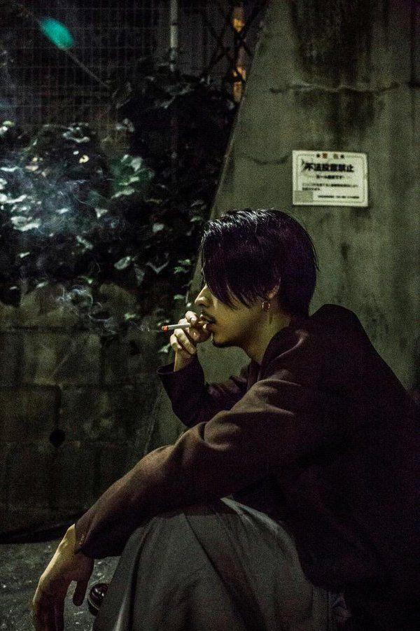 タバコ 成田 凌