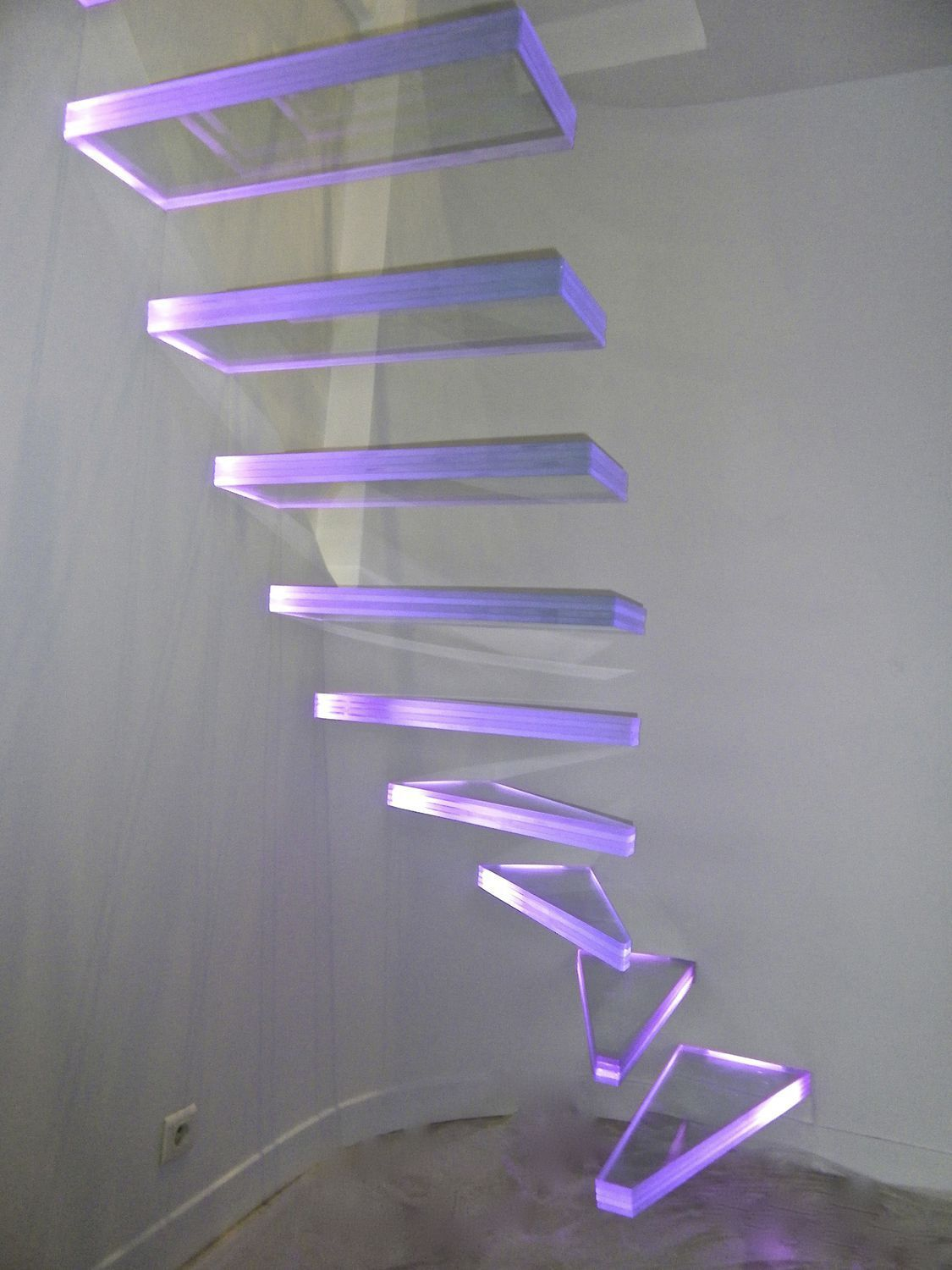Quarter-turn staircase / glass steps / without risers / contemporary AERO VERRE EXTRA CLAIR LUMINEUX Trescalini - Escaliers, structures et garde-corps