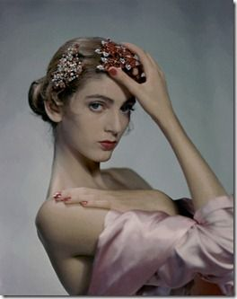 A very young (13!) Carmen Dell'Orefice. Such eyes and lines.