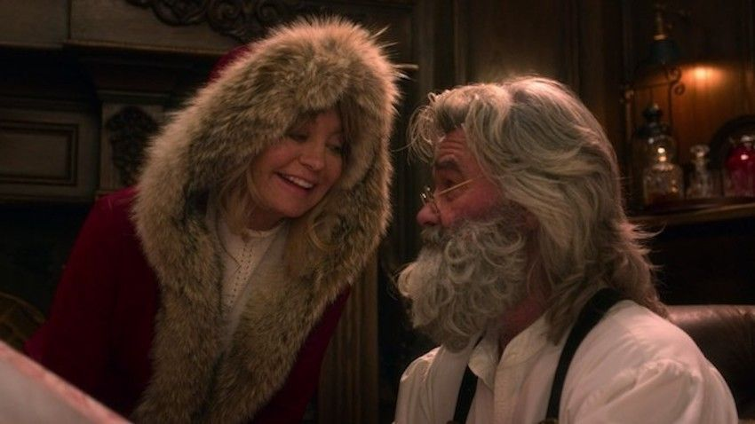 Kurt Russell And Goldie Hawn Reunited On Screen For The First Time In 31 Years Christmas Chronicles Goldie Hawn Santa Claus Movie Favorite Christmas Songs