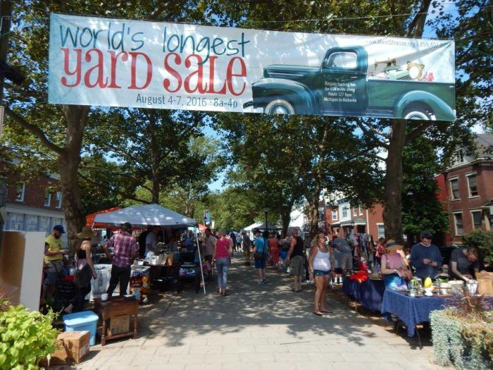 You Ll Absolutely Love This 600 Mile Yard Sale Going Right Through Kentucky 127 Yard Sale Yard Sale The Longest Yard